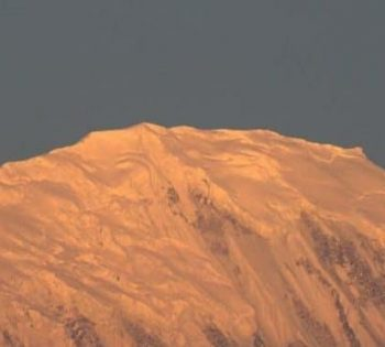 Sunrise Tilicho peak
