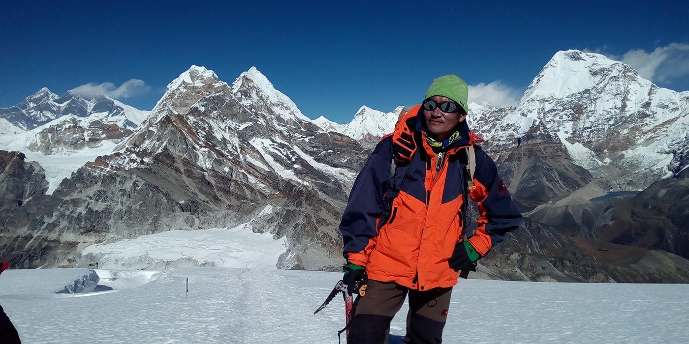 Lobuche-peak-summit-banner
