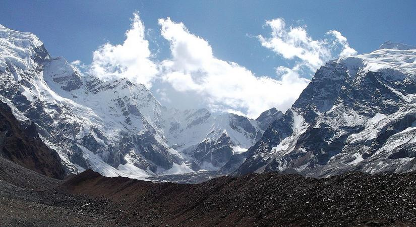 Approached from the Mahakali Khola, the southern/western aspects of Api Himal