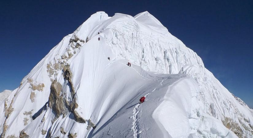 Climbing Mt. Baruntse 7129m