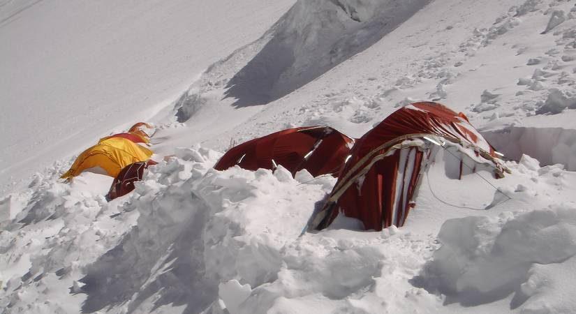 Mt. Makalu High Camp III (7200m/23622ft)