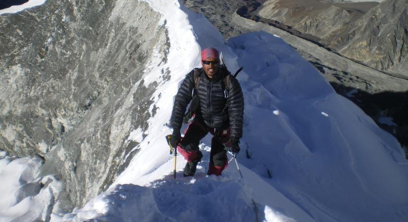 At Island Peak Summit <br></noscript> Most Preferred Peak (6189m/20299ft)