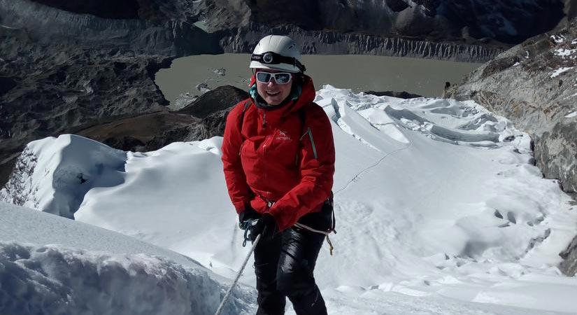 Climbing Island Peak (6189m/20299ft)