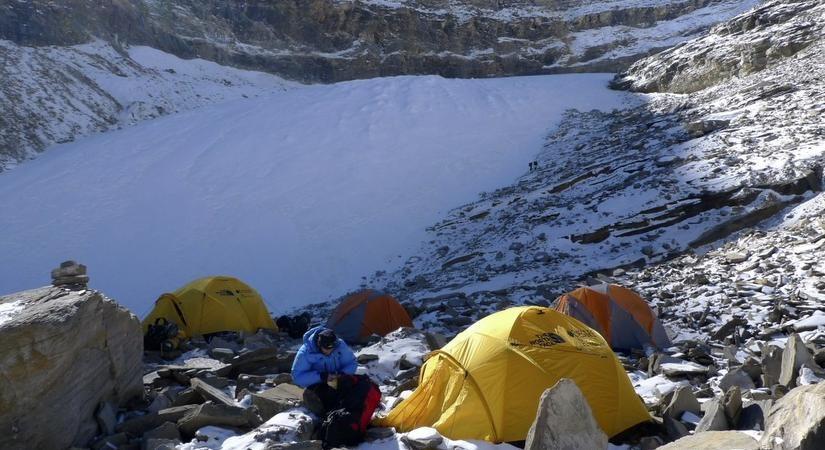 Putha Hiunchuli Base Camp
