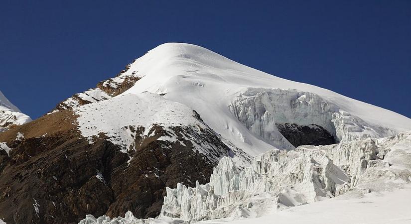 Sairbung Peak Climbing (6328m/20755ft)